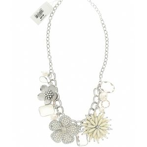 NWT Floral Statement Necklace